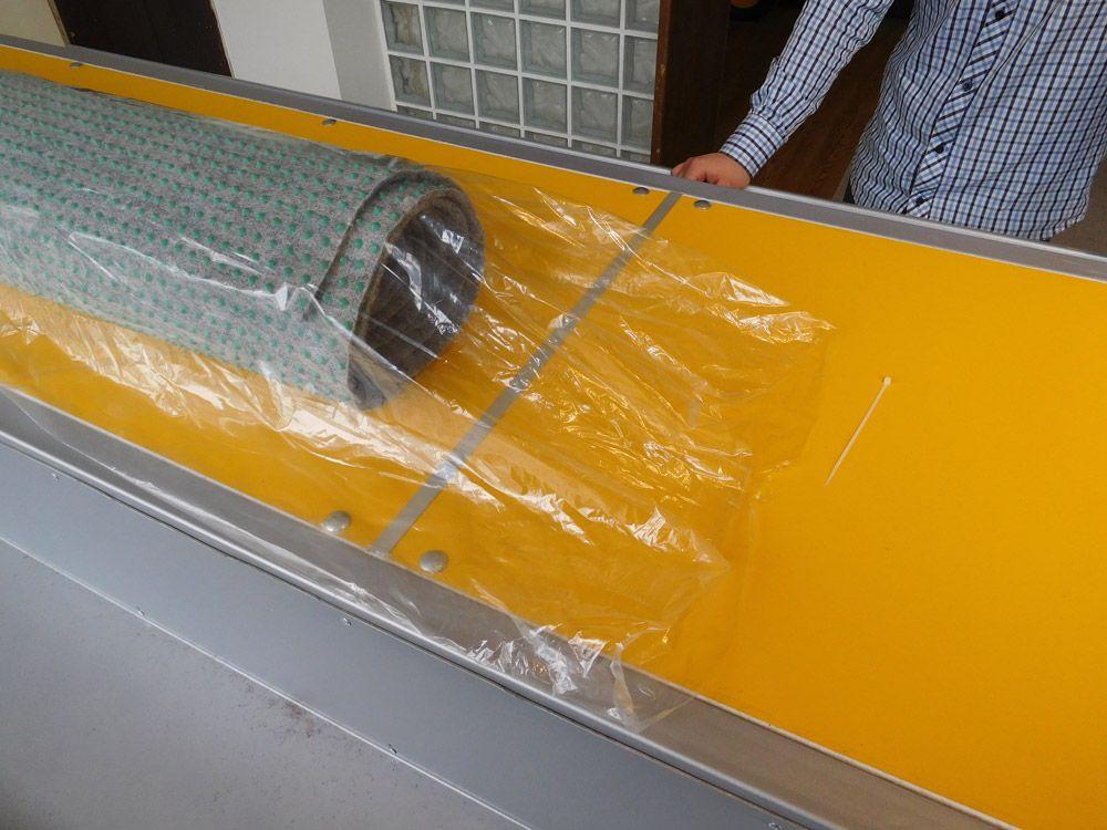 pokretan-sto-za-pregled-i-pakovanje-tepiha-16