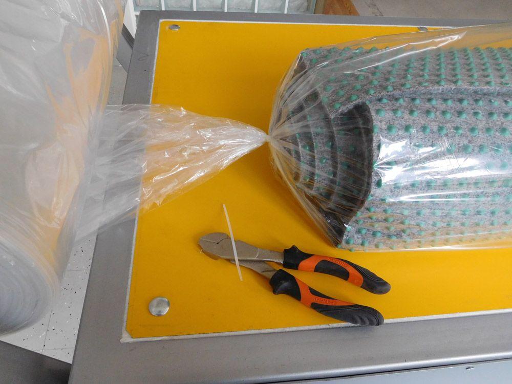 pokretan-sto-za-pregled-i-pakovanje-tepiha-24